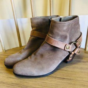 Sam Edelman Camel Landon Boot in Size 12